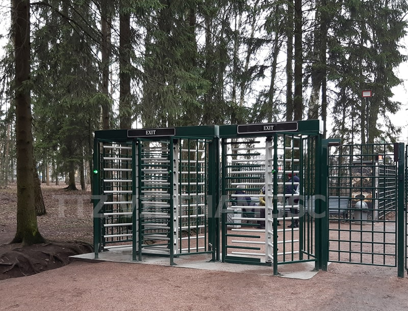 Cổng full height